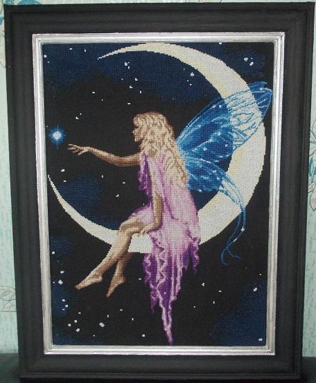Вышивка крестом фея луны