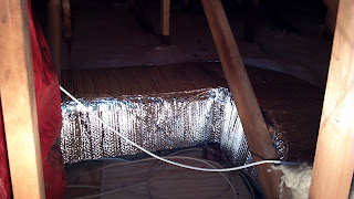 insulated attic duct with bubble wrap