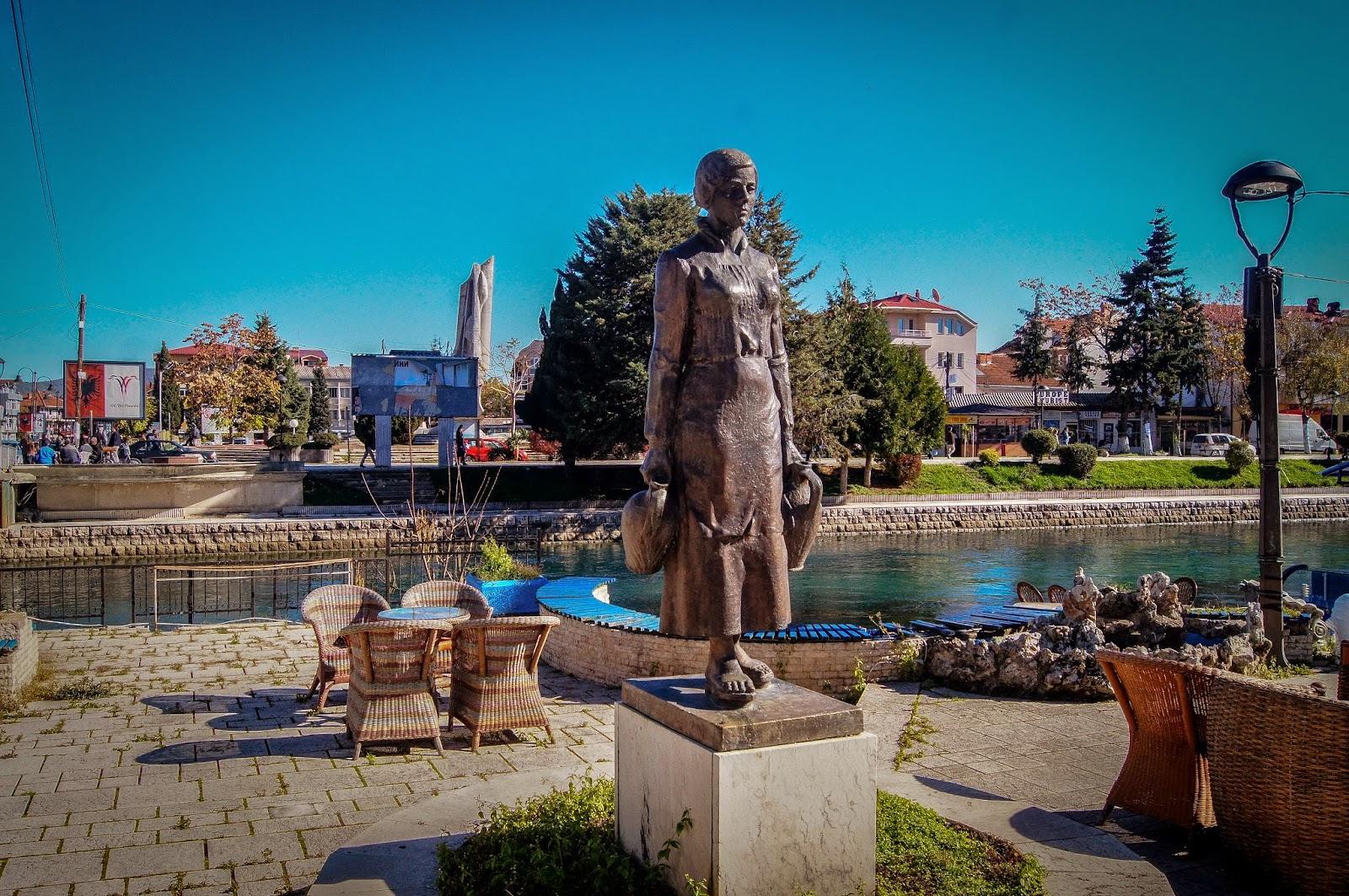 Estatuas por Struga