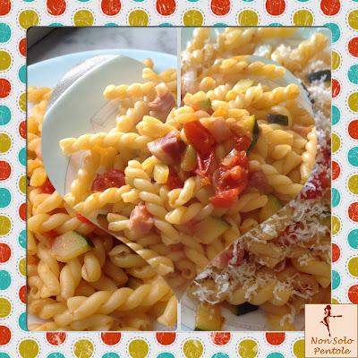 Pasta con pomodorini e zucchine