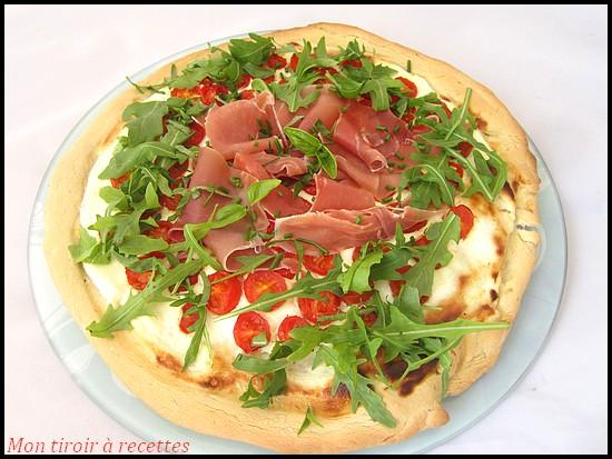pizza jambon cru tomates