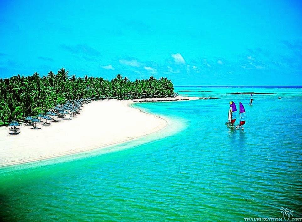 View Original Size Tropical Island Beach Scenery Holiday Village Wallaper