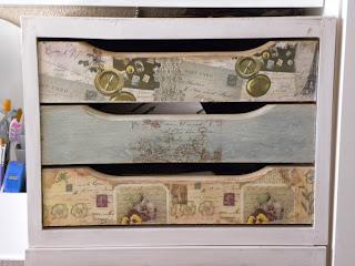 Los cachivaches de luppa unas cajoneras de ikea y algunas cajas m s - Peluquerias decoradas por ikea ...