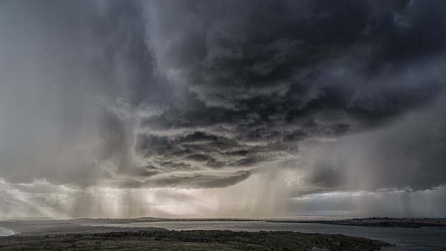 cumulonimbus cloud rain phillip island