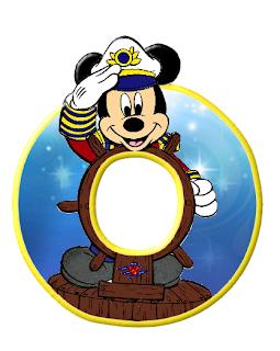 Alfabeto de personajes Disney con letras grandes O Mickey grande.