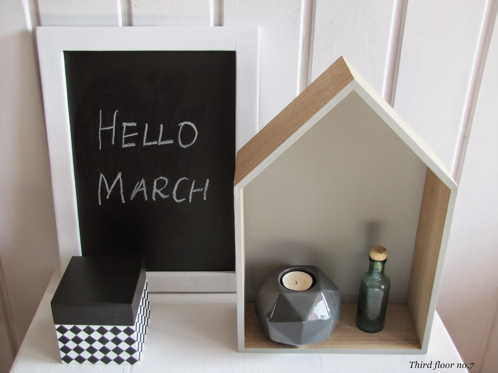 Trzecie Piętro Hello March