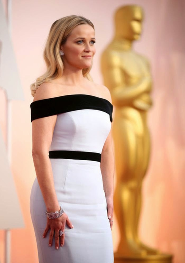 You're right, the diamond design of Tom Ford studs finished of the ensemble and Reese Witherspoon looks effortlessly chic at Oscar's 2015 in Hollywood on Sunday, February 22, 2015.