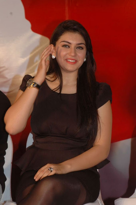 Hansika Motwani Wallpapers sexy stills