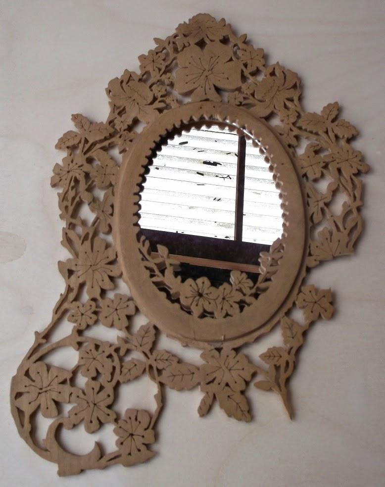 Holzkunst in traditioneller Handarbeit: Restauration einer alte ...