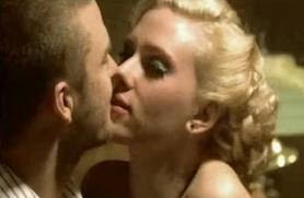 Scarlett Johansson Kissing Photo Gallery