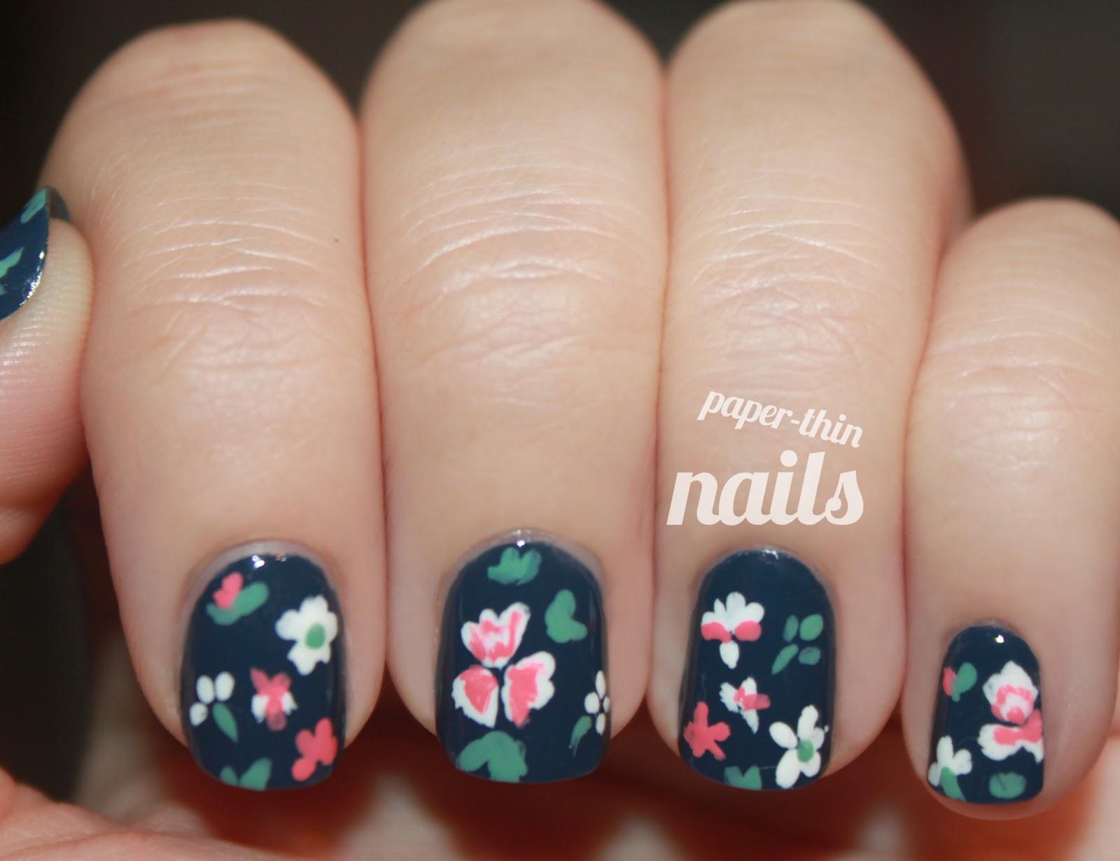 Дизайн ногтей мелкий цветочек фото