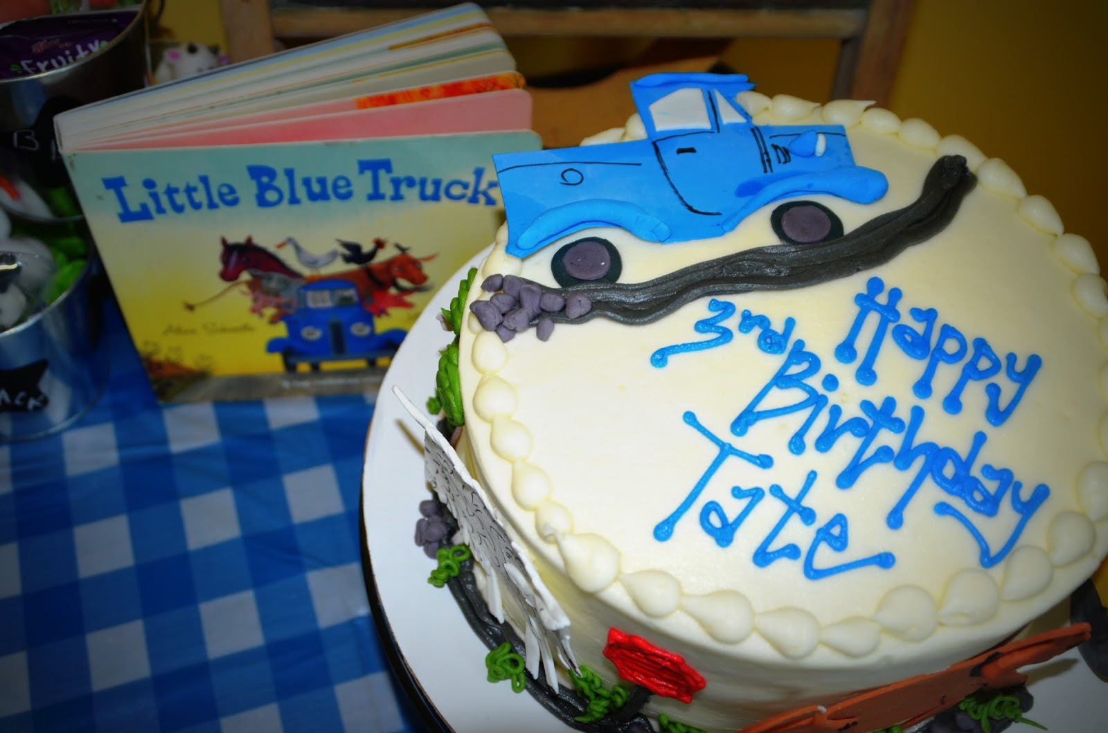 Blue Truck birthday cake. The cake told the story of the little blue ...