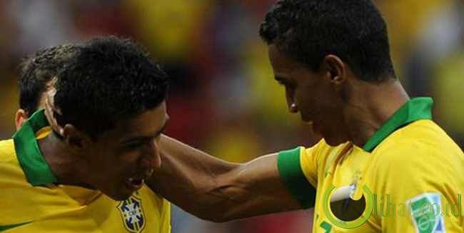 Pemenang - Barisan Gelandang Brasil