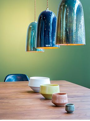 lamper, keramik skåle og dejlig stemning