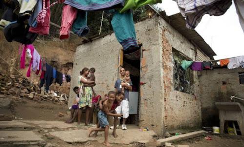 Extrema pobreza volta a crescer no Brasil após seis anos, aponta IBGE