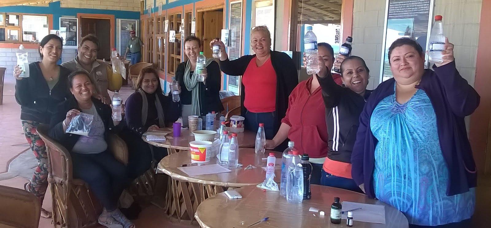 Las mujeres somos las educadoras principales del mundo.Guerrero Negro B.C, Sur.  2015.