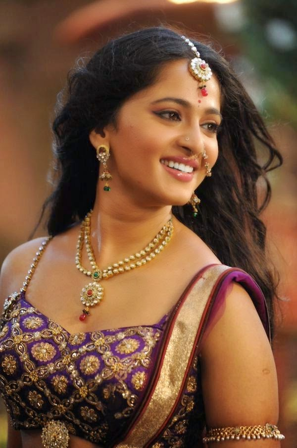 Anushka Shetty Latest Photos in Rudramadevi Movie