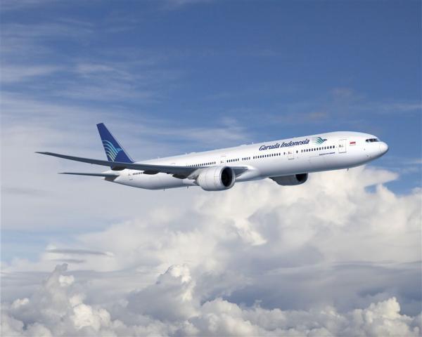 Pesawat yang memiliki berat yang sedemikian besar itu bisa terbang