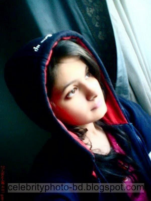 Pakistani+Cute+Girl+Maria+Photos+Album010