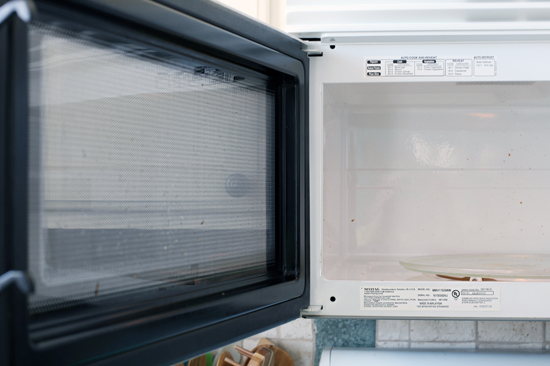 how to use nucleation to avoid exploding water in microwaves