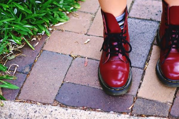 エラショック, ファッション, ファッションブロガー, ファッションブログ, 私服, コーデ, コーディネート, わんわん物語り, ドクターマーチン, レーセール, リサイクルファッション, シドニー, オーストラリア, 日本語, 英語, 女子高生, お団子ヘア, ボランティア, チャリティーショップ, JK, elashock, fashion, fashion blogger, personal style, outfit, girl, australia, sydney, japanese, japan, english, thrift, thrifting, op shop, shopping, lady and the tramp, disney, supre, supré, dr martens, docs, doc martens, space buns, volunteering, cheap clothes, boots, summer, shorts, denim, denim shorts, shirt, green