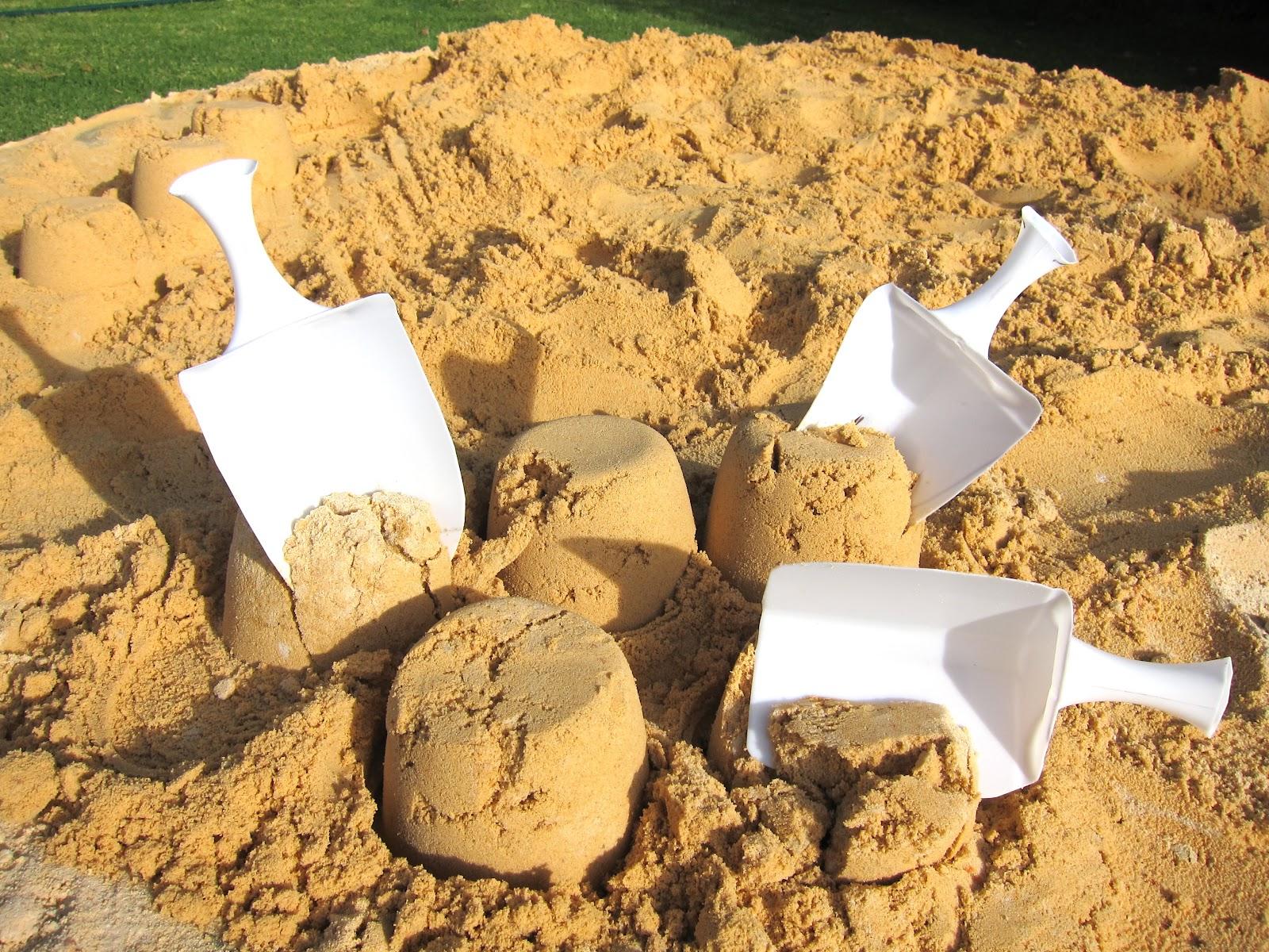 Artividades : Palas hechas con tarros de plástico ♥