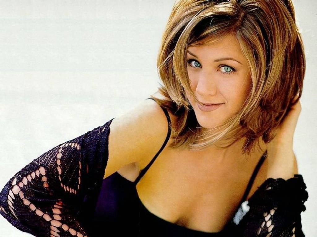 from Daniel sexy jennifer aniston pictures