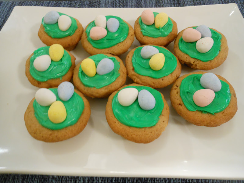 Flavors by four easter egg hunt cookies mix the frosting till you get the desired color of green frost the tops of the cookies and decorate them with your favorite hard shelled egg candy forumfinder