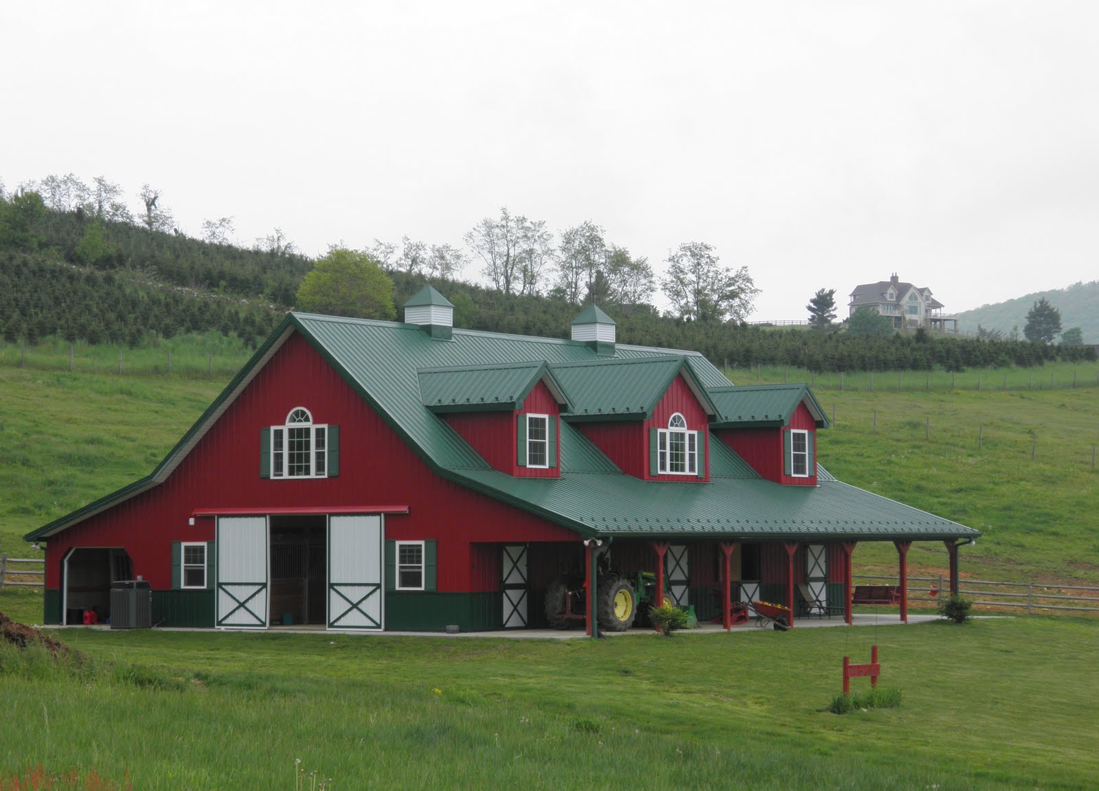 Barnhouse on pinterest barndominium barn houses and for Metal barn images