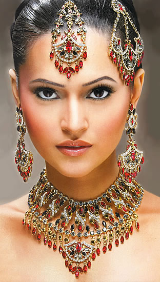 In an Indian wedding most important is the bridal look because in Indian