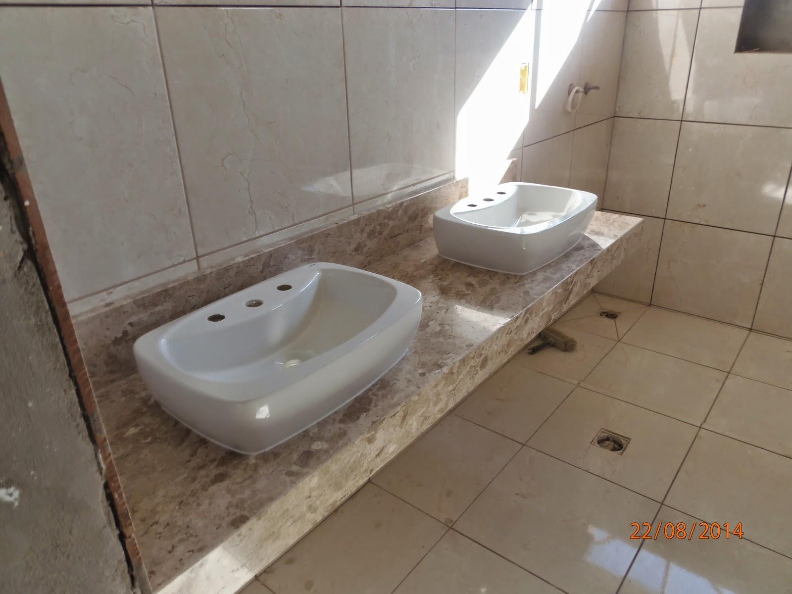 MINHA MAIS NOVA CASA: 44ª semana de obras #AC561F 1600x1200 Banheiro Bancada Travertino