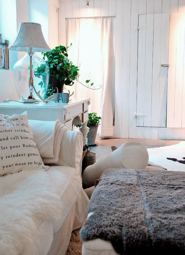 vitt vardagsrum livingroom