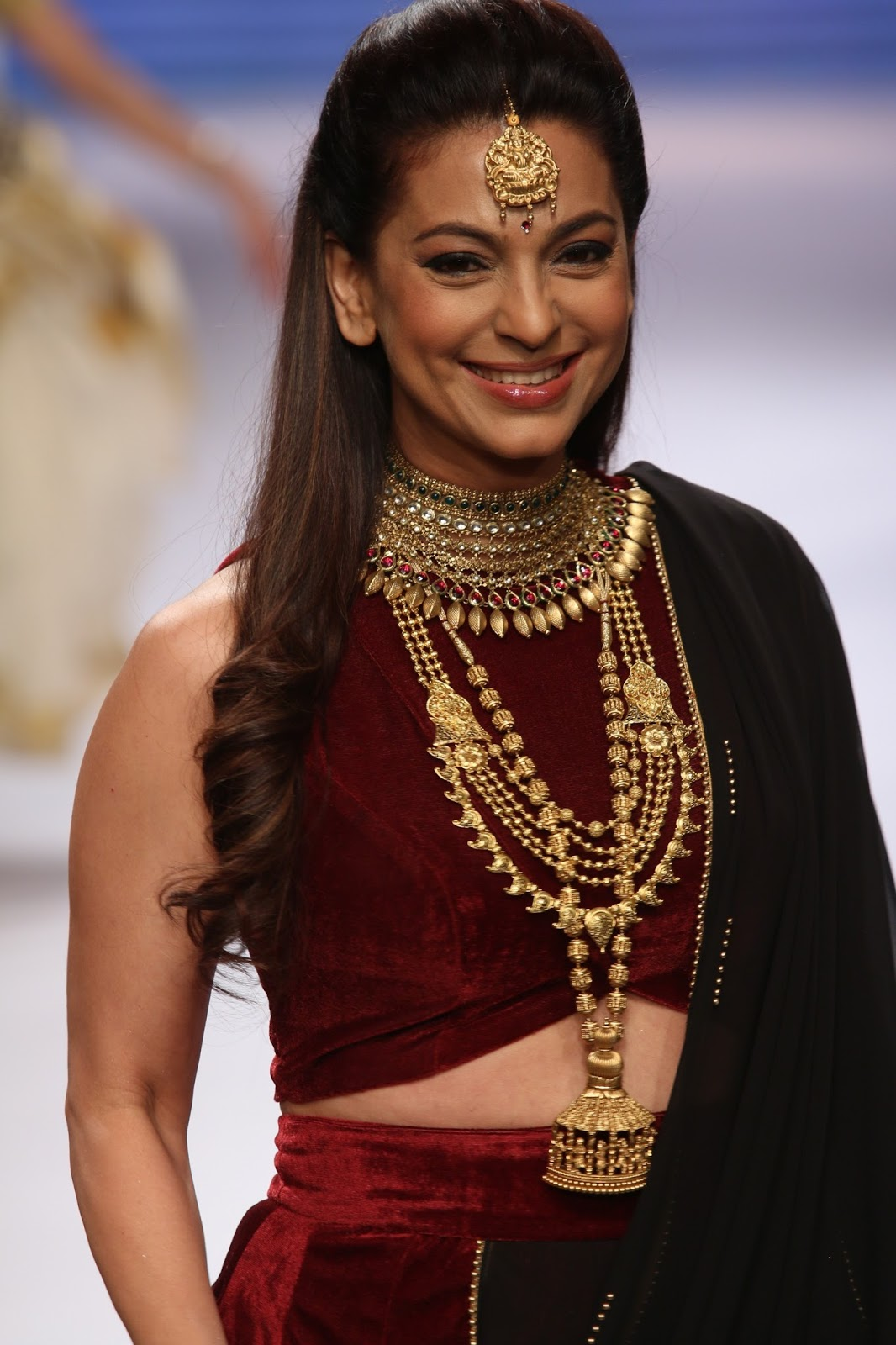 THE SENSATIONAL DIVYAM COLLECTION FROM TANISHQ CLOSED DAY ONE AT THE