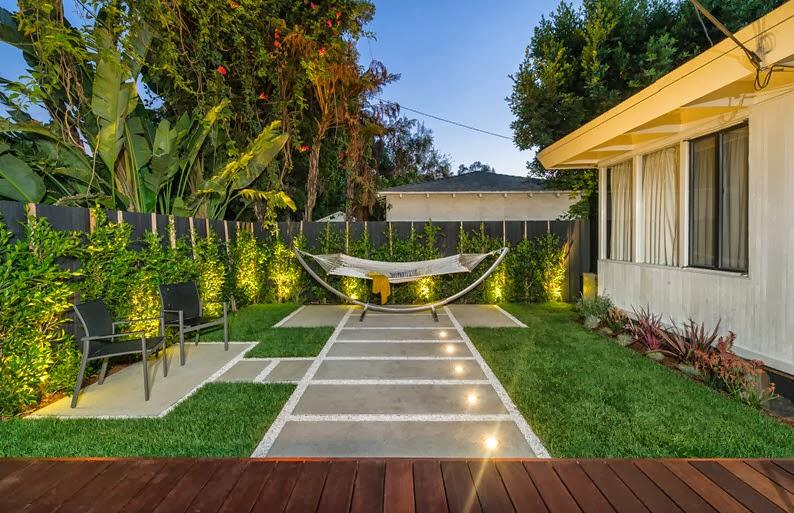 Dise o de una moderna terraza de madera de una casa en la - Diseno de terraza ...