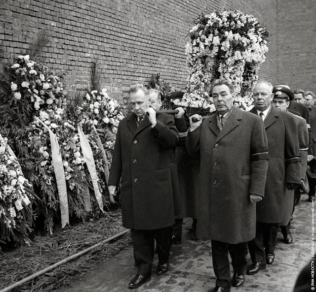Здоровье. Человек. Природа.: 29 фото о Л.И. Брежневе и его ...: http://polsergmich.blogspot.com/2013/11/29.html