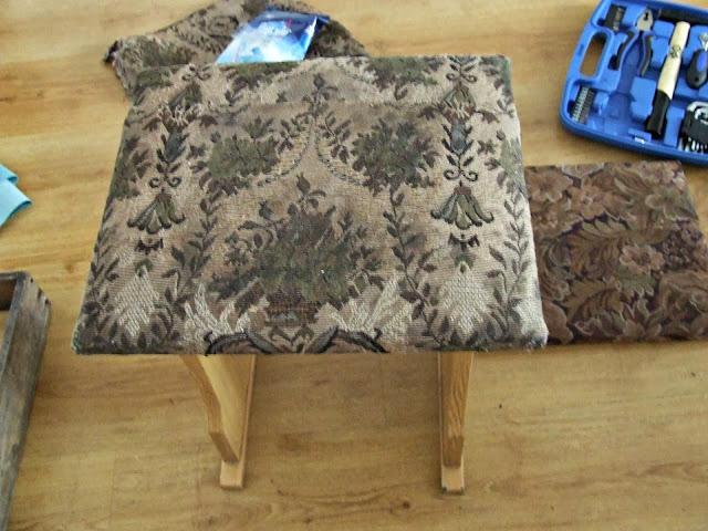 metamorfoza taboretu renowacja starych krzeseł