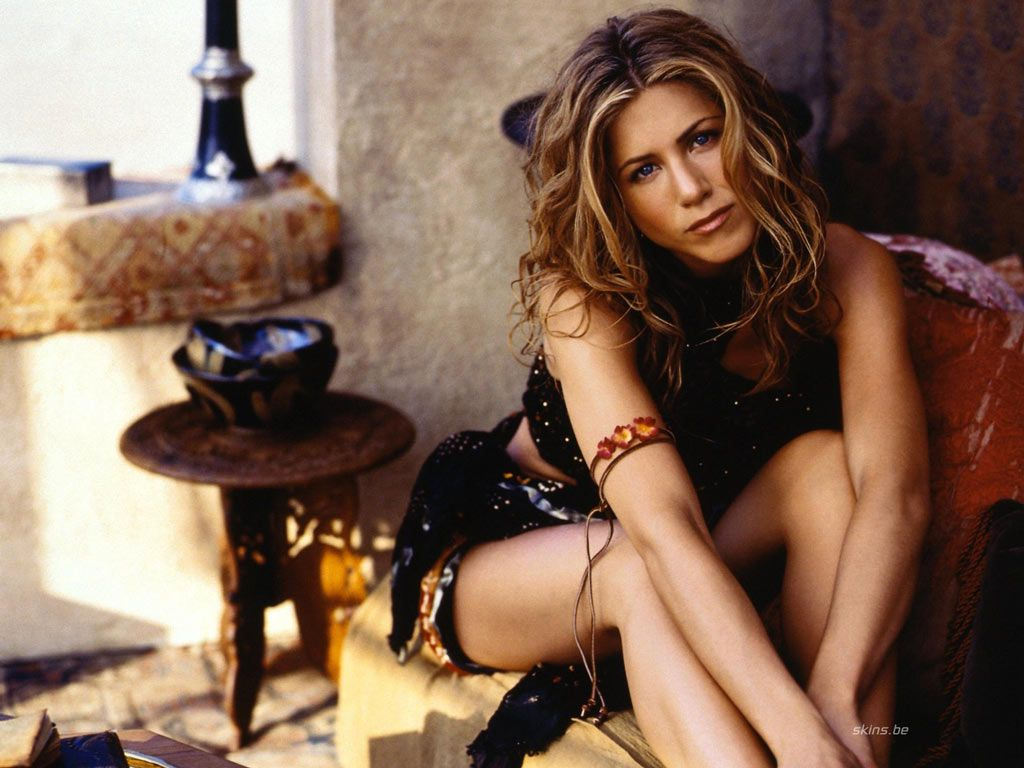http://1.bp.blogspot.com/-Oa-Olco8TME/Tv24nH7XerI/AAAAAAAAF4k/DWU5xV9inYU/s1600/jennifer+-aniston+-hot-2012-images.jpg