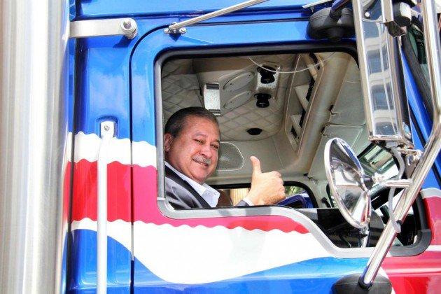 Gambar Trak 'Mack' Sultan Johor