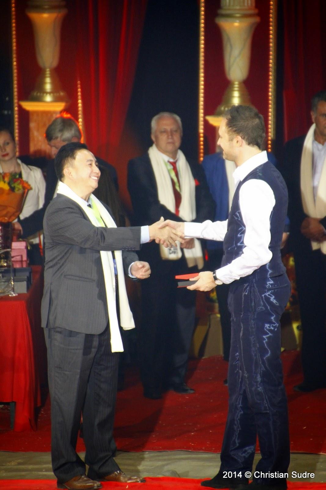 Burguscircus festival international du cirque du val d for Prix du m2 oise