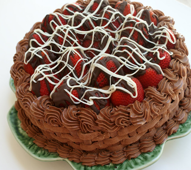 A Little Loveliness: Chocolate Covered Strawberry Cake