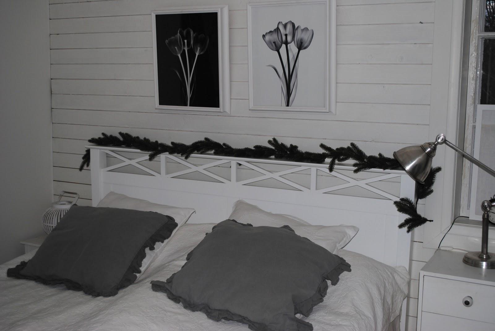Vita drömmar och choklad: julpimpat sovrum...