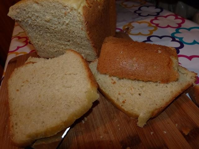 chleb z automatu do pieczenia chleba