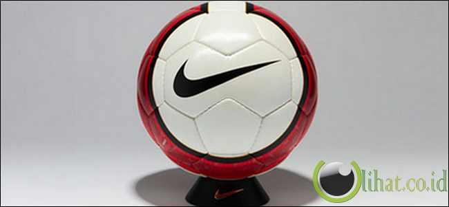 Nike Total 90 Aerow II 06/07