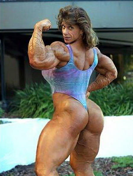 image Big clit female bodybuilder se folla con un vibrador