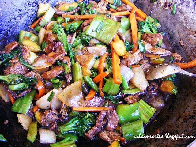 Carne com Vegetais ao Molho Shoyu