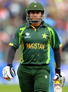 Nasir-Jamshed-vs-India-ICC-Champions-Trophy-2013