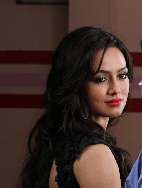 Sana Khan Latest Hot