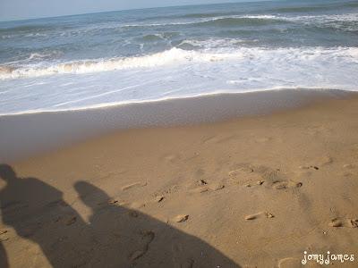Thiruvanmiyur Beach