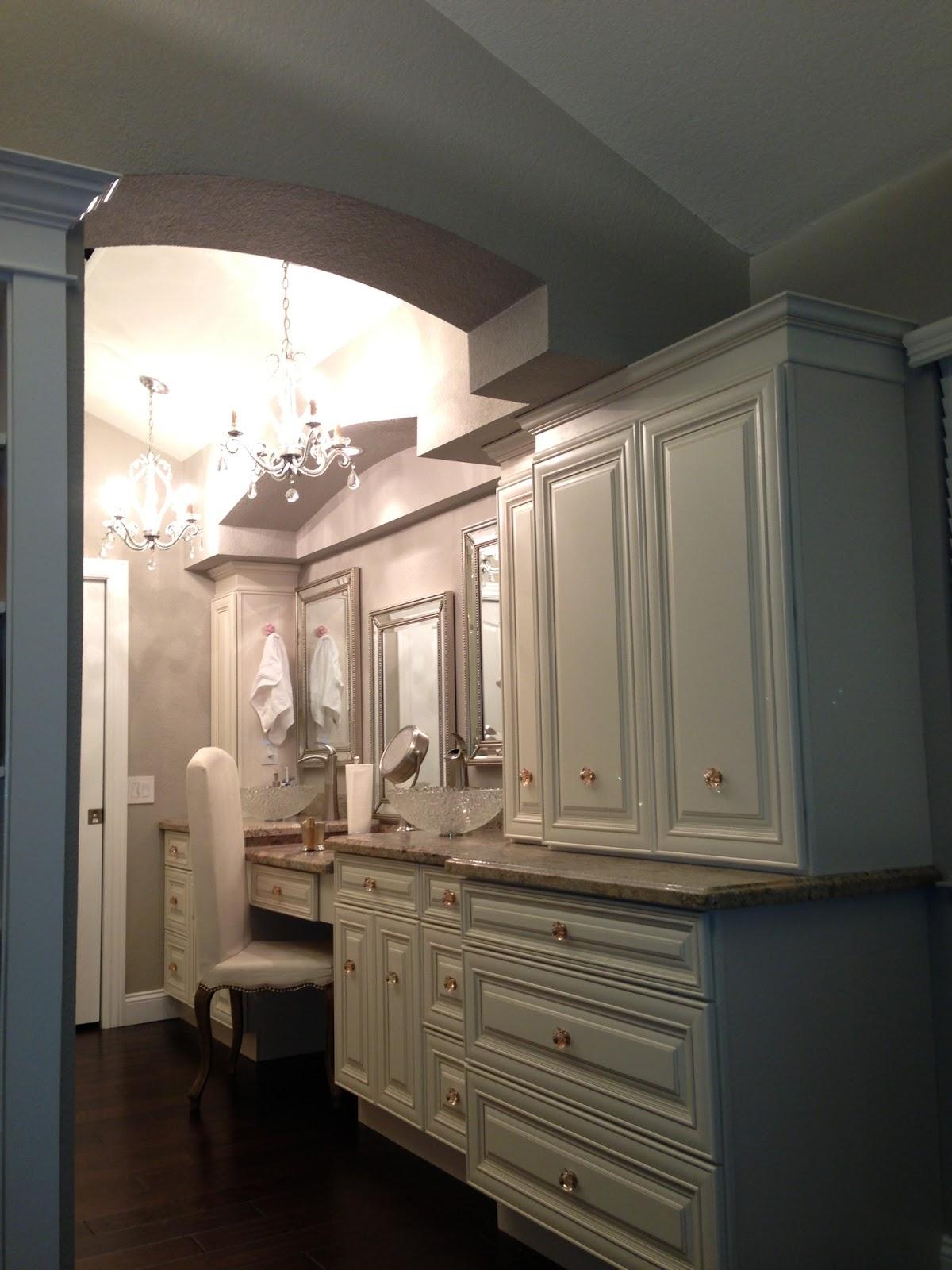 Kitchen and bath cabinets vanities home decor design ideas photos pierce kitchen and bath for Kitchen and bathroom cabinets
