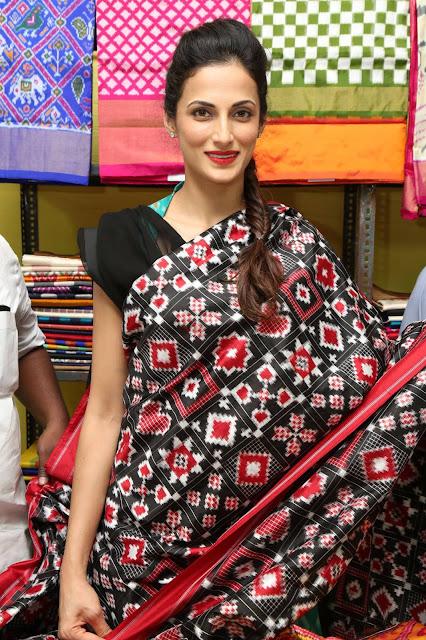 Shilpa Reddy Latest Photos At Pochampally IKAT Art Mela